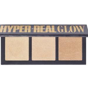 Mac Hyper Real Glow Highlight Palette